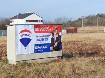 Prodej pozemku 865 m², Husinec