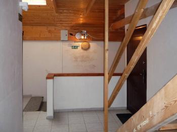 se dostaneme do patra,  - Pronájem bytu 2+kk v osobním vlastnictví 38 m², Rakovník