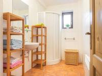 2.NP_Koupelna - Prodej domu v osobním vlastnictví 1100 m², Jarošov nad Nežárkou