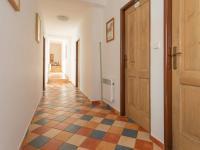 2.NP_chodba - Prodej domu v osobním vlastnictví 1100 m², Jarošov nad Nežárkou