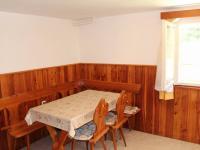 a jídelním koutem - Prodej chaty / chalupy 114 m², Chřenovice