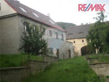 Prodej domu v osobním vlastnictví 250 m², Dolní Zálezly