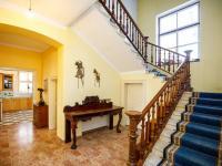 hala přízemí (Prodej domu v osobním vlastnictví 380 m², Ústí nad Labem)