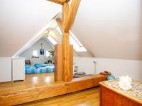 pokoj - podkroví (Prodej domu v osobním vlastnictví 380 m², Ústí nad Labem)