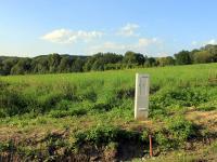 elektrický pilíř na hraně pozemku - Prodej pozemku 1100 m², Děčín
