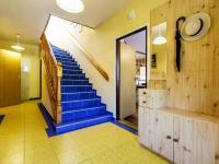 vstupní prostor domu - Prodej domu v osobním vlastnictví 415 m², Děčín