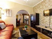 obývací pokoj - přízemí - Prodej domu v osobním vlastnictví 415 m², Děčín