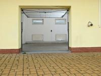 výška vrat 2 metry  - Pronájem skladovacích prostor 48 m², Teplice