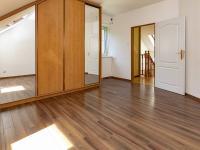 Dům č.1-patro - Prodej domu v osobním vlastnictví 395 m², Psáry