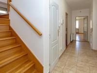 Dům č.1-chodba - Prodej domu v osobním vlastnictví 395 m², Psáry