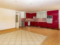 Dům č.1-obývací prostor+kuchyň - Prodej domu v osobním vlastnictví 395 m², Psáry