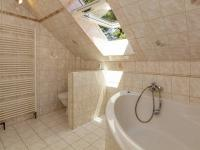 Dům č.1-koupelna 2 - Prodej domu v osobním vlastnictví 395 m², Psáry