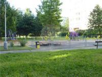 hřiště (Pronájem bytu 3+1 v družstevním vlastnictví 77 m², Praha 5 - Stodůlky)