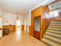 Hala domu (Prodej domu v osobním vlastnictví 180 m², Mirovice)