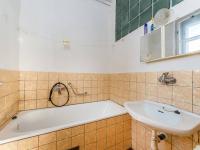 Koupelna 1.NP (Prodej domu v osobním vlastnictví 180 m², Mirovice)