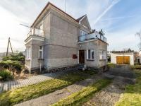 Boční pohled na RD,vjezd na zahradu (Prodej domu v osobním vlastnictví 180 m², Mirovice)