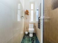 Toaleta 1.NP (Prodej domu v osobním vlastnictví 210 m², Příbram)