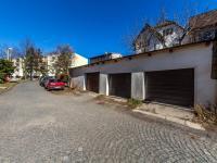 3x samostatná garáž- možnost pronájmu (Prodej domu v osobním vlastnictví 210 m², Příbram)