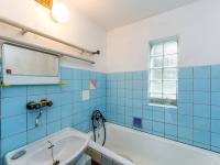 Koupelna (Prodej domu v osobním vlastnictví 106 m², Pečice)