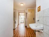 Chodby domu (Prodej domu v osobním vlastnictví 106 m², Pečice)