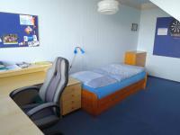 pokoj dole 14,5 m2 (Prodej bytu 4+1 v osobním vlastnictví 103 m², Praha 5 - Stodůlky)