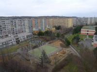 výhled z pokojů (Prodej bytu 4+1 v osobním vlastnictví 103 m², Praha 5 - Stodůlky)