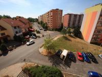 Dostatek parkovacích míst (Prodej bytu 2+kk v osobním vlastnictví 45 m², Příbram)