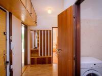 Předsíň (Prodej bytu 3+kk v osobním vlastnictví 69 m², Praha 6 - Řepy)