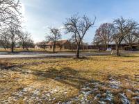 Část pozemku za silnicí - Prodej domu v osobním vlastnictví 78 m², Jablonná