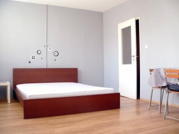 Pronájem bytu 3+1 v osobním vlastnictví 77 m², Praha 6 - Řepy