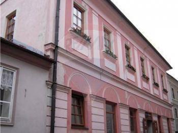 pohled na dům - Prodej domu v osobním vlastnictví 450 m², Tábor