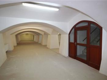 Pronájem obchodních prostor 320 m², Tábor