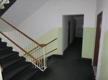 Schodiště - Pronájem kancelářských prostor 58 m², Chomutov