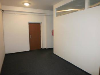 Prostory v 1. patře - Pronájem kancelářských prostor 58 m², Chomutov