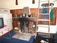 podkrovní místnost ve vedlejší stavbě s krbem (Prodej chaty / chalupy 41 m², Pochvalov)
