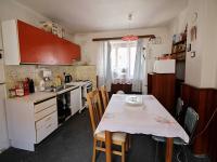 kuchyň (Prodej domu v osobním vlastnictví 80 m², Ctiněves)