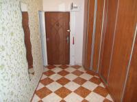 chodba s vestavěnou skříní (Prodej bytu 4+1 v osobním vlastnictví 76 m², Chomutov)