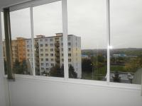 zasklená lodžie (Prodej bytu 4+1 v osobním vlastnictví 76 m², Chomutov)