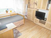 obývací pokoj s lodžií (Prodej bytu 3+1 v družstevním vlastnictví 70 m², Jirkov)