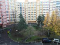 výhled z obývacího pokoje (Pronájem bytu 3+1 v osobním vlastnictví 74 m², Chomutov)