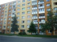 Dům z čelního pohledu (Pronájem bytu 1+1 v osobním vlastnictví 42 m², Chomutov)