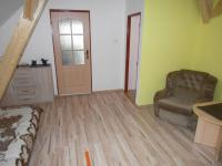 1. dům; patro - ložnice (Prodej domu v osobním vlastnictví 166 m², Smolnice)