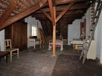 Půda s možností vybudovat další pokoj (Prodej domu v osobním vlastnictví 150 m², Žatec)