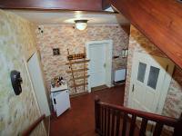 Pohled do vstupní chodby (Prodej domu v osobním vlastnictví 150 m², Žatec)