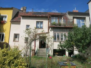 Pohled na dům ze zahrady - Prodej domu v osobním vlastnictví 160 m², Chomutov