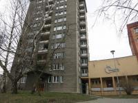 Pohled na dům (Prodej bytu 2+1 v osobním vlastnictví 59 m², Ostrava)