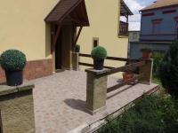 venkovní terasa - přízemí  (Prodej domu v osobním vlastnictví 600 m², Vejprty)