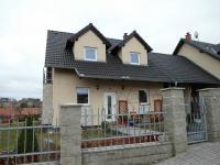 čelní pohled (Prodej domu v osobním vlastnictví 180 m², Královice)
