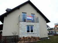 boční pohled na dům (Prodej domu v osobním vlastnictví 180 m², Královice)