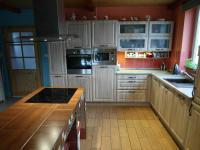 kuchyně (Prodej domu v osobním vlastnictví 180 m², Královice)